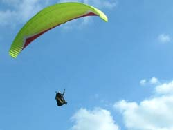 Paragliding training close to london